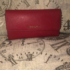 Price**IS NOT**Firm-MichaelKors JST Trifold Wallet